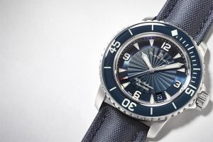 Two Kinds Of Blue Diving Replica Watches