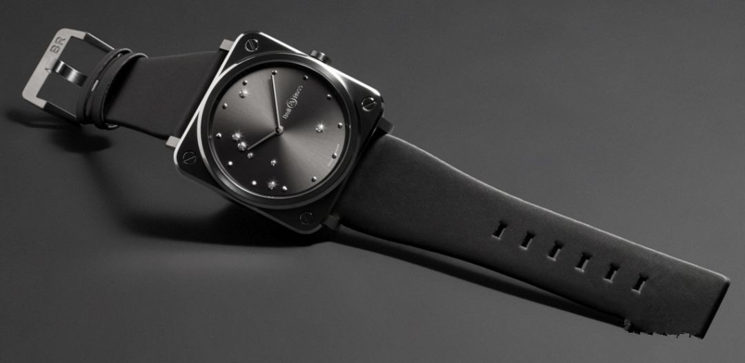 The texture of Bell & Ross fake watches with black dials must be top.