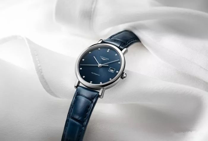 Blue dials Longines fake watches present a different elegance.