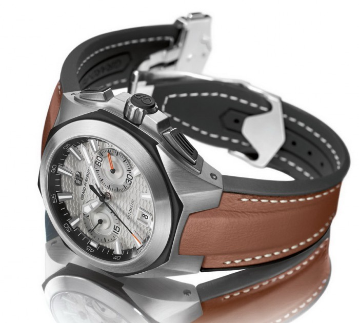 Functional copy watches are combined exquisite designs.