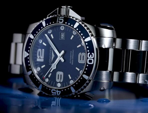 The Longines Conquest is a popular diving watch with its high cost-performance.