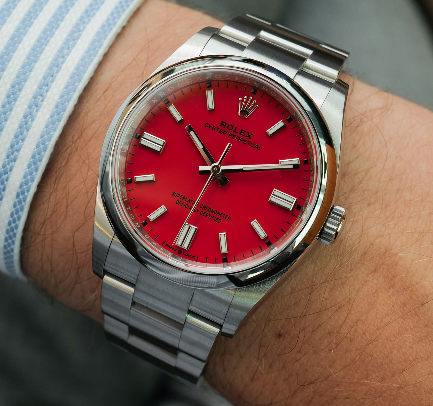 The 36 mm Rolex Oyster Perpetual fake watch is good choice for both men and women.