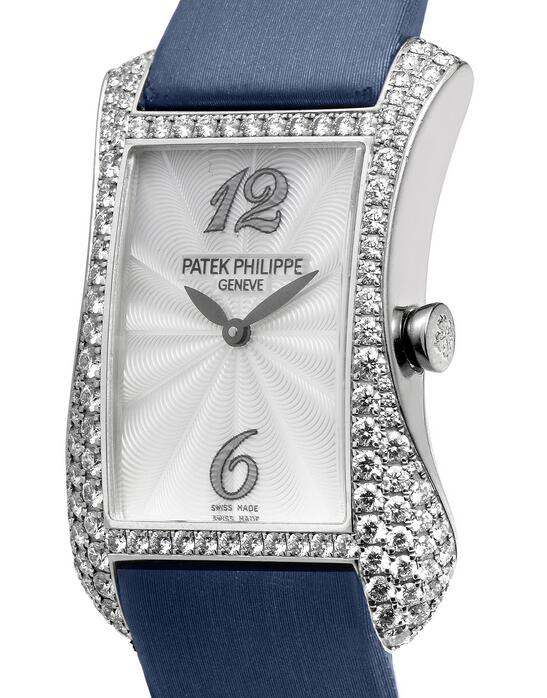 Online fake watches are chic with blue color.