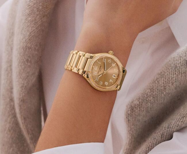 Online fake watches are luxury with rose gold material.