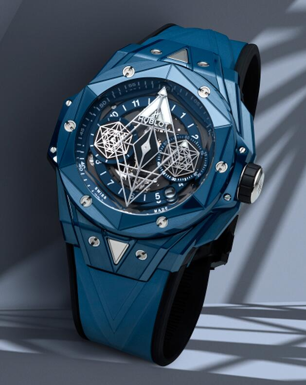 AAA Swiss copy watches are coordinated with blue rubber straps.