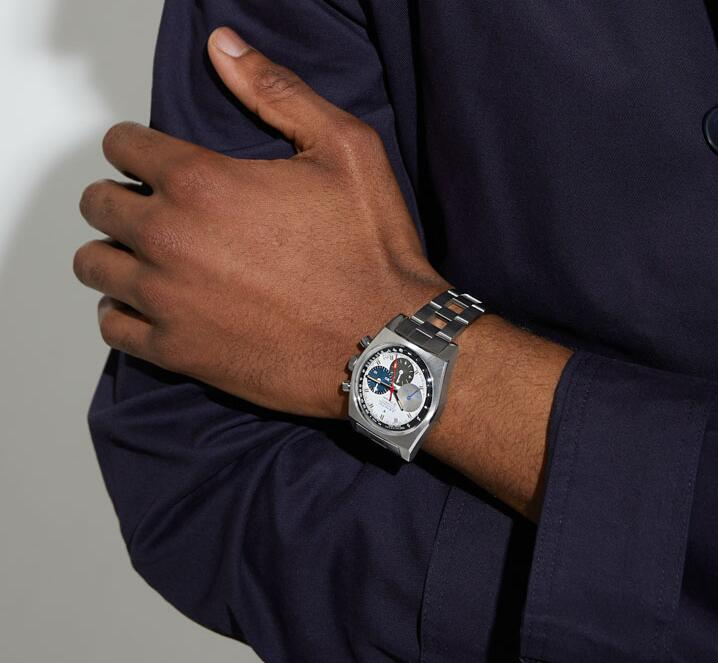 AAA fake watches maintain the best chronograph function.