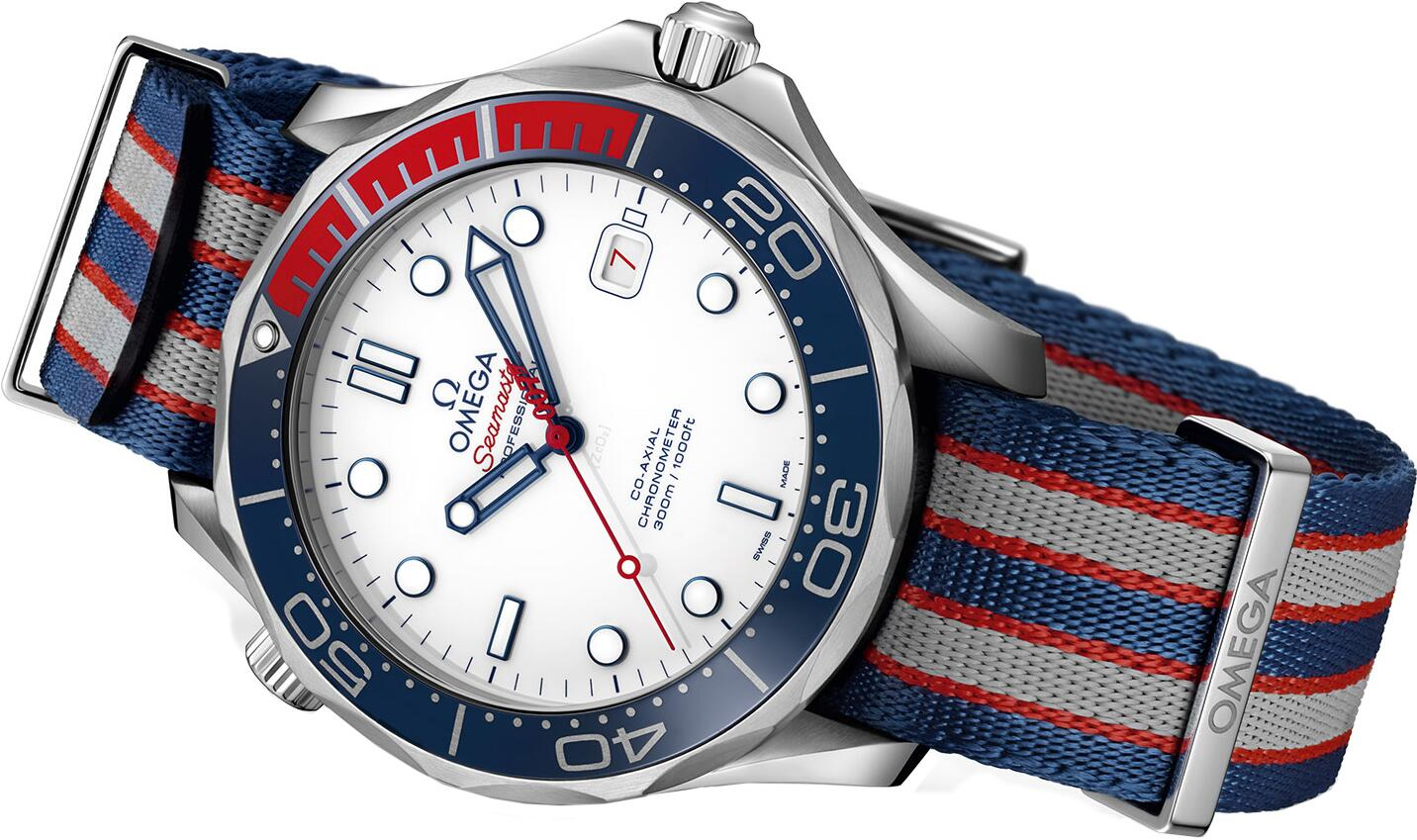 Swiss fake watches are appropriate for males with 41mm cases.
